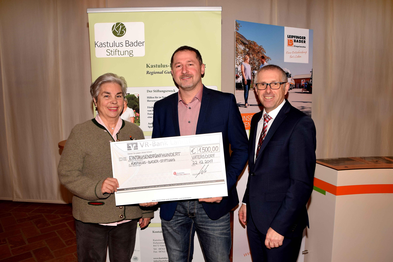 Elektro Scheubeck übergibt 1.500 Euro