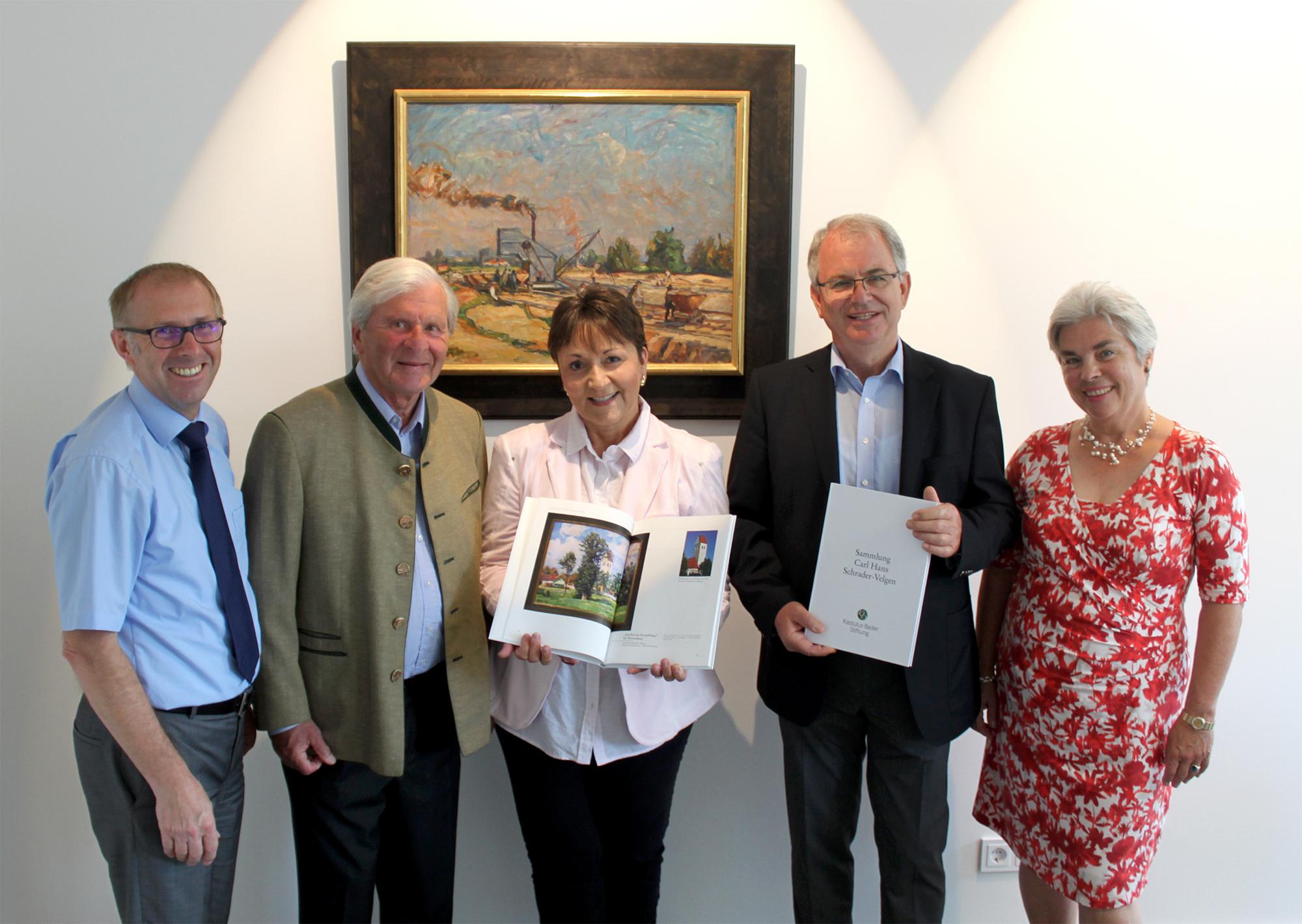 Kastulus-Bader-Stiftung spendet Schrader-Velgen Dokumentation
